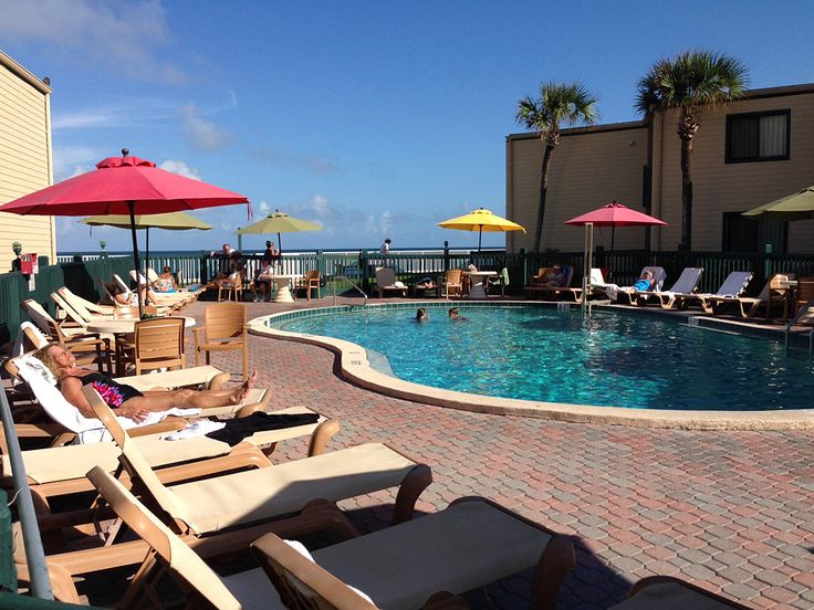 The Reef Ocean Resort Is One Of Best Places To Stay In Vero Beach Fl Sand And Sea Are Literally Footsteps Away From Hotel A Relaxed