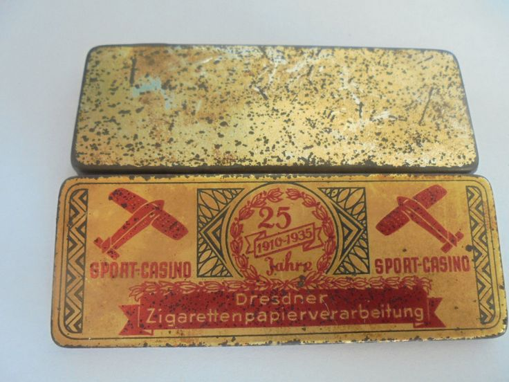 This is a German Jubilee Cigarette paper tin to roll your own cigarettes, its from Dresden and has some nice Aviation Decor, from the 20/30ties very rare and in my Collection