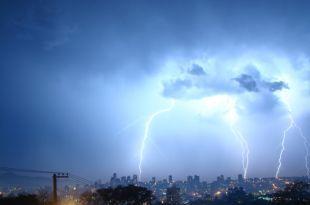 Metsul Blog - Meteorologia    Raios em Novo Hamburgo  Por: Alexandre Otávio Pinto Data:07/08/2011