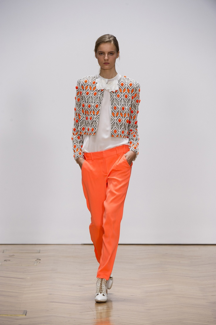 THE HOMAGE jacket  CONFETTI DAYS top  FIFTEEN STEPS pant
