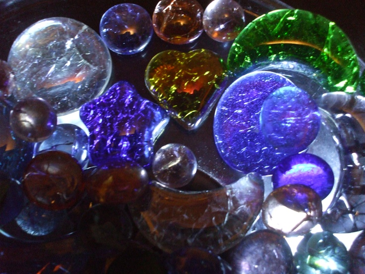 Crackle marbles and cabachons . These were easy to make and can be used in alot of projects and home decor.: Crafts Ideas, Home Decor, Crackle Marbles