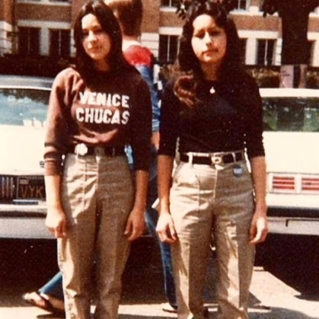 Chola Style and Culture – 40 Fascinating Vintage Photos of Latina Gangs in Southern California from the 1970s and 1980s