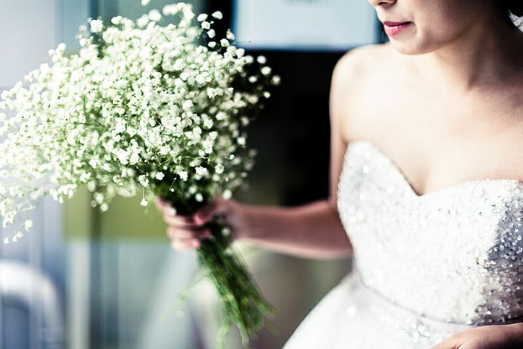 I love Baby's Breath wedding bouquets - so soft and delicate. Image by Jin.Dongjun (CC-BY-SA).