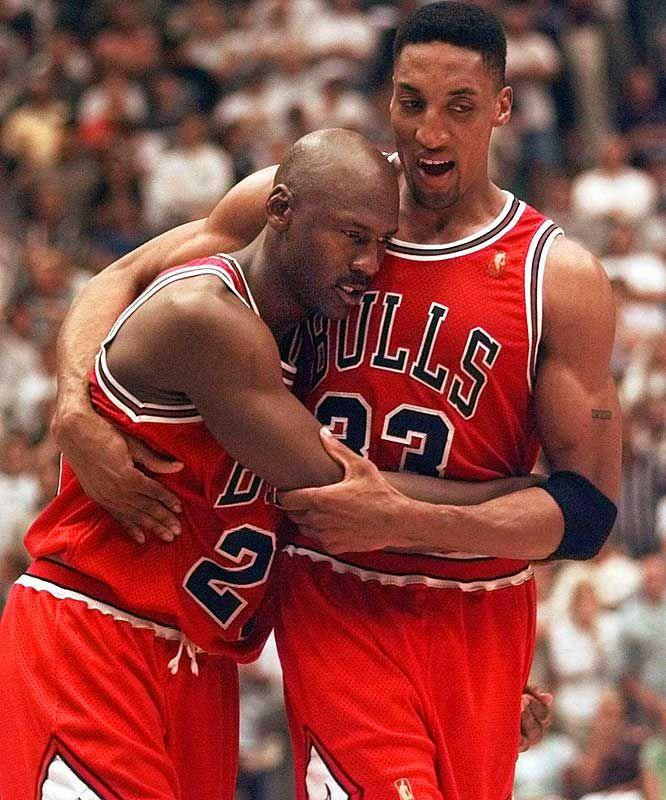 "(""He ain't heavy, he's my brother"")   Michael Jordan & Scottie Pippen  The ""flu game""  #Determination #Inspiration..."