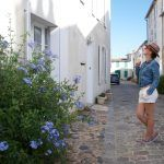 Je voyage en Charente-Maritime à la découverte du Sud de l'île de Ré www.detailsofperrine.com Hat : HM - Shirt & short : Levi's - Shoes : Sebago