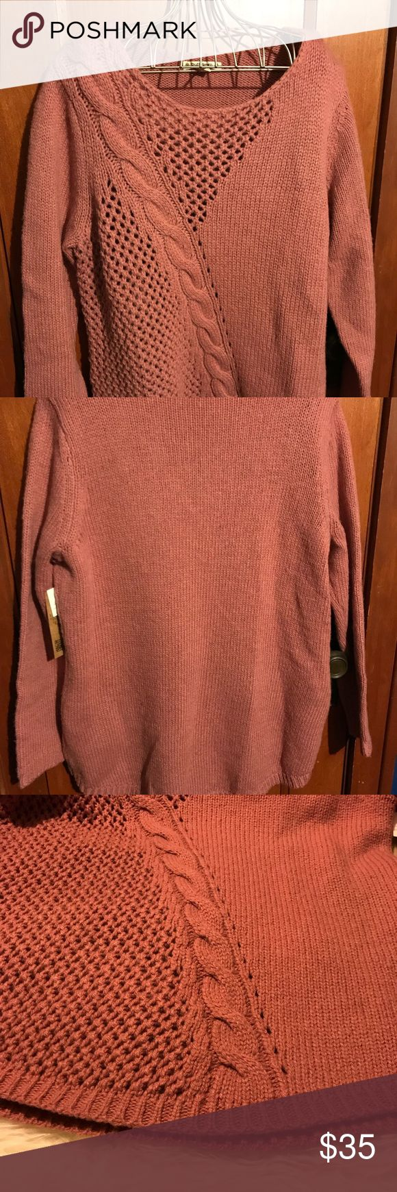 Beautiful Ruff Hewn rose gold sweater 1X Ruff Hewn sweater.  Long sleeved ribbing on ends.  Beautiful knit designs. Flattering patterns. Ruff Hewn Sweaters
