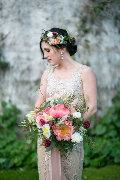 1920s vibe with bright flowers: http://www.stylemepretty.com/wisconsin-weddings/2015/07/22/charming-wisconsin-barn-anniversary-shoot/ | Photography: Christy Janeczko - http://christyjphotography.com/