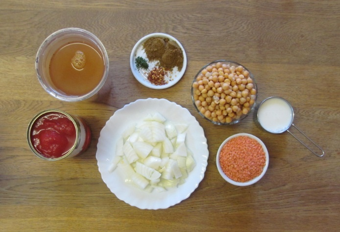 Laura Writes: Spiced tomato, lentil and chickpea soup