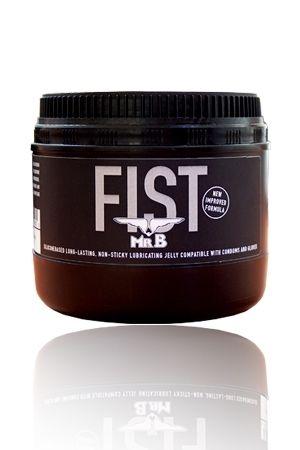 Pot de graisse pour fist de 500 grammes par Mister B. Constituée d'eau, cette graisse est compatible avec les préservatifs.
