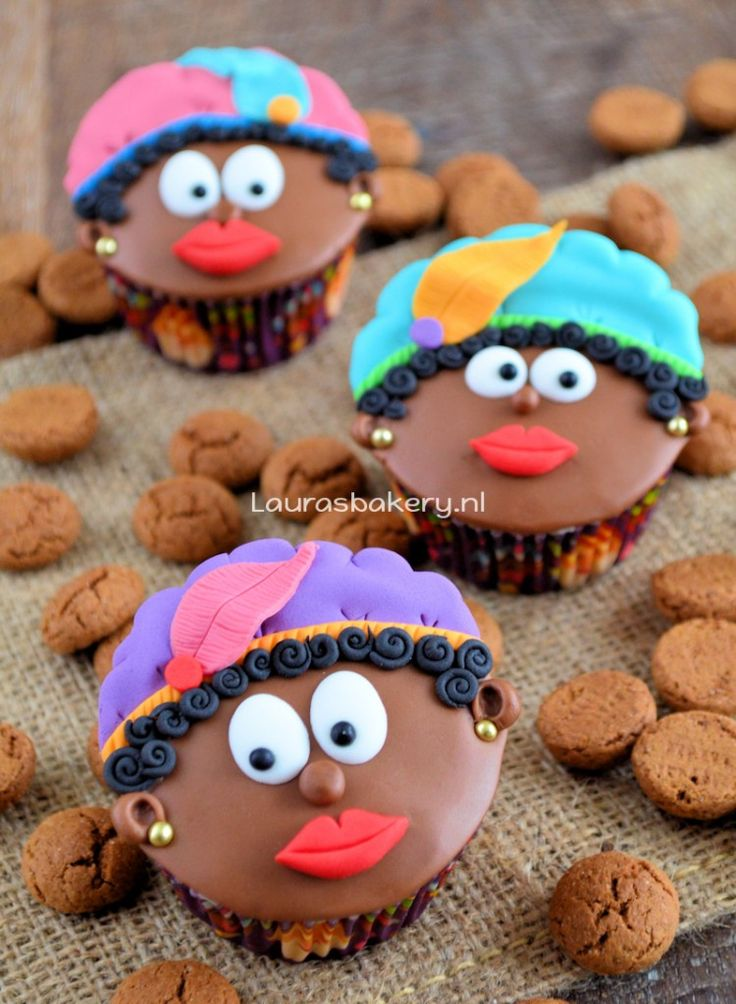 Zwarte Pieten Cupcakes how to - Laura's Bakery