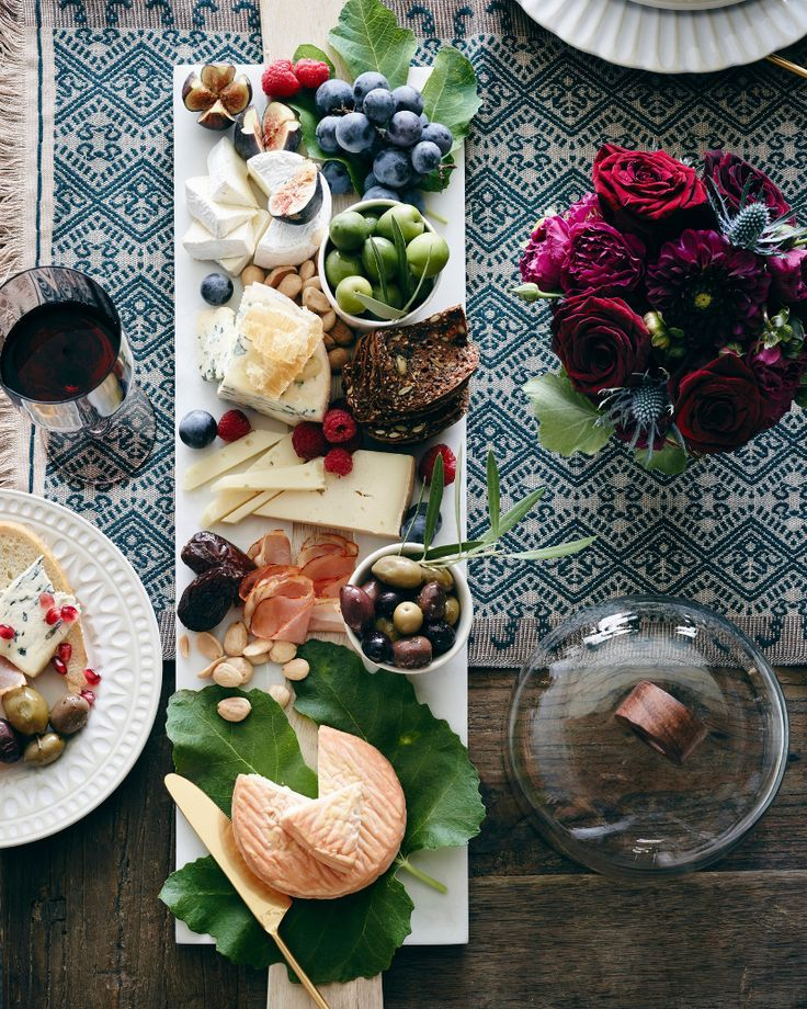 Seasoned hostess What's Gaby Cookin is sharing her must-make recipes, décor ideas, ice-breaker activities and much more for the best fall feast with your favorite people, now on the #AnthroBlog #Anthropologie