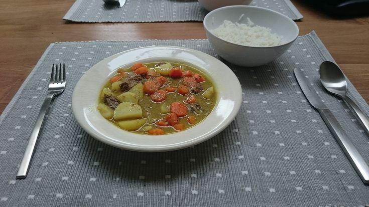 #Recept: Aziatisch stoofvlees met kokosmelk, wortel, ui en aardappel van #Overkruiden