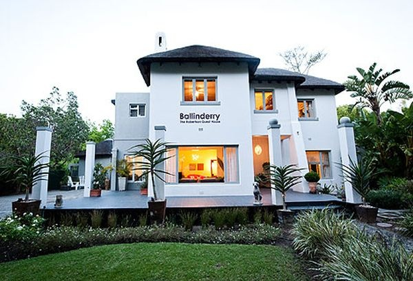 Ballinderry boutique guesthouse  http://go2.smeak.com/city/capetown/stay/ballinderry-boutique-guest-house/