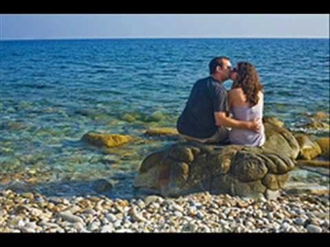 """""""Στην Πάρο και στη Νάξο"""" ~ Γιάννης Πάριος... A much loved traditional song with beautiful images of the greek islands"""