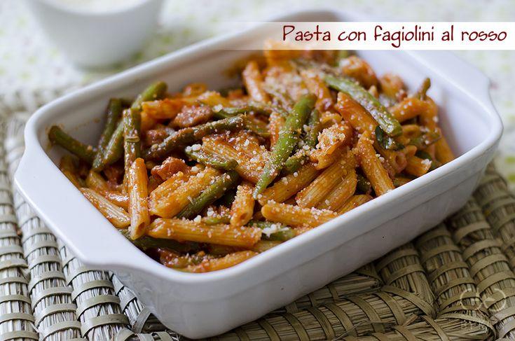 La pasta con fagiolini è un ottima proposta di primo piatto. Vedrete che anche i bambini apprezzeranno mangiando volentieri questa ricetta.