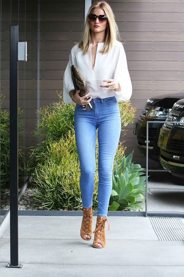 Rosie Huntington-Whiteley in the perfect off-duty look.