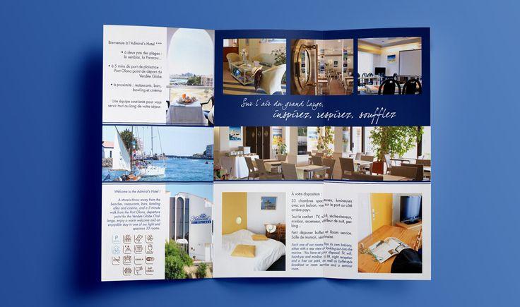 ADMIRAL'S HOTEL - Marceline Communication / Mise en page d'un dépliant touristique pour l'Admiral's Hotel des Sables d'Olonne, menant sur le quartier de La Chaume et donnant sur le Port Olona.