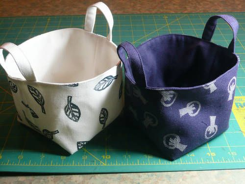 Simple and clear tutorial for making these lovely baskets, using stamped fabric. Would like to try both (the fabric stamping and the baskets)!