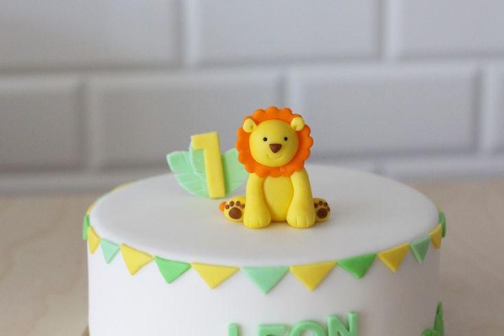 tort z lwiątkiem na pierwsze urodziny