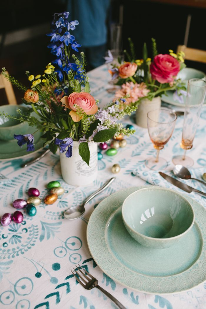 Laying an Easter lunch table with @anthropologieeu