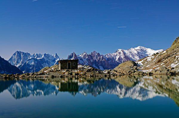 Lago Blanco, en los Alpes franceses, cerca de Chamonix.
