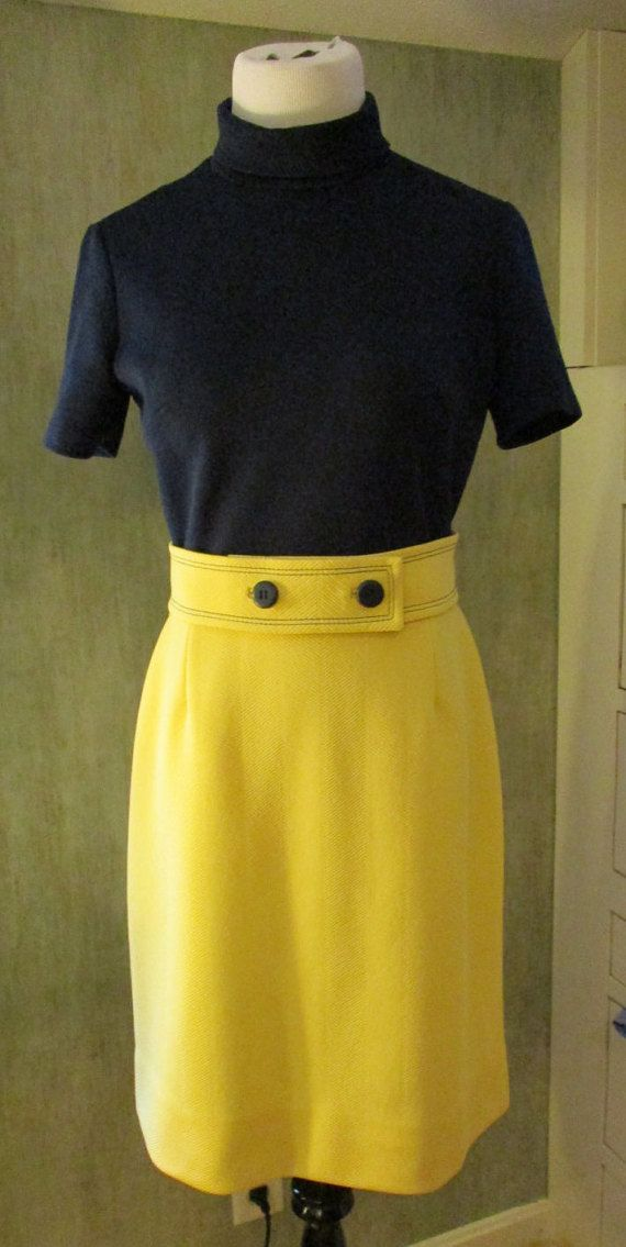 Vintage 1970's Navy & Yellow Belted Short by FabVintageFashions