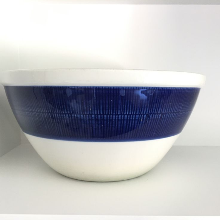 NICE PRICE Rorstrand Koka blue and white porcelain servingbowl Scandinavian modern mid century modern /See shop Arabia Rorstrand Gustavsberg by VintageDesignTreats on Etsy https://www.etsy.com/listing/467845843/nice-price-rorstrand-koka-blue-and-white