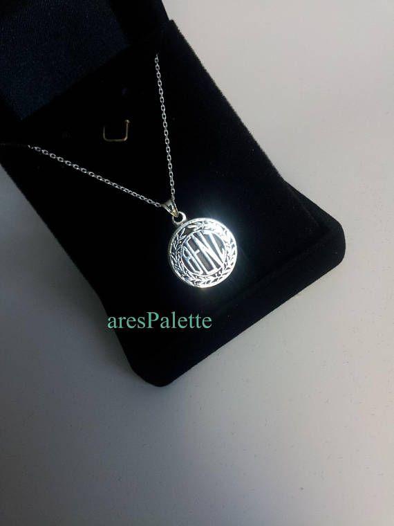 #mercedesbenz #mercedes #mercedesbenzjewelry#halskette #silver #necklace #hanmade #carjewelry http://Mercedes Benz Old Logo Necklace-Handmade-(Free Standard Shipping)