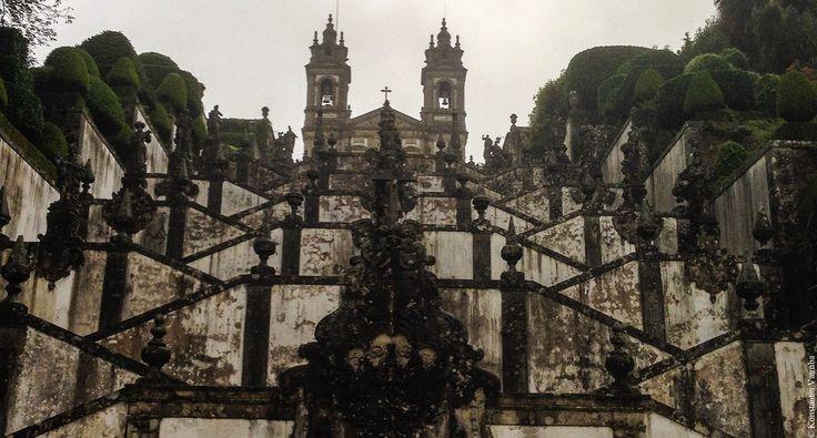 Брага считается одним из самых красивых городов Португалии, и не зря. Город довольно небольшой, расположен недалеко от Порту, буквально в часе езды на электричке.…