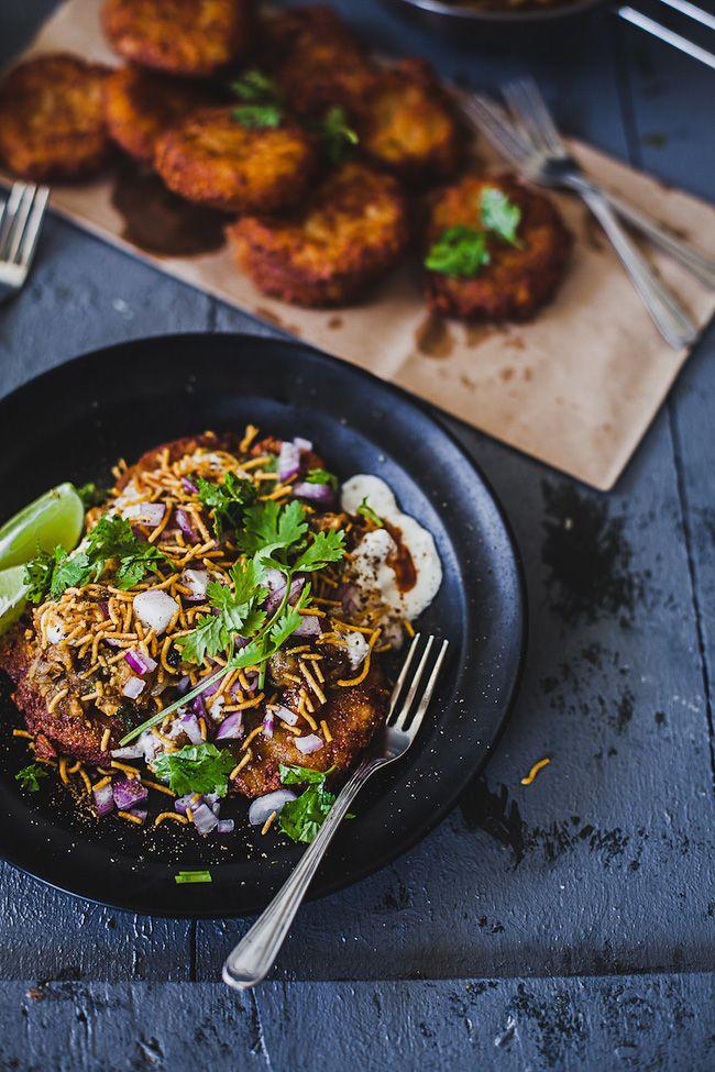 aloo tikki chaat recipe chaat savory snacks crunchy potatoes on hebbar s kitchen recipes aloo tikki id=44708