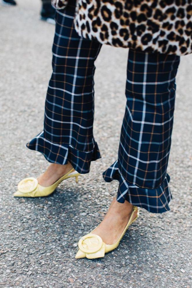 Street style à la Fashion Week automne-hiver 2017-2018 de Milan tartan léopard