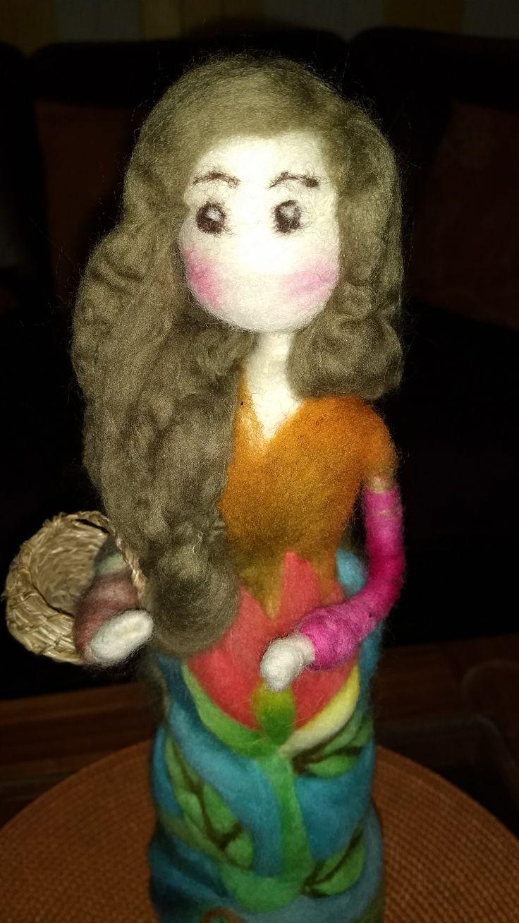 Muñecas en vellon agujado #hechoamano #vellonaschilhue, hecho por VELLONAS CHILHUE