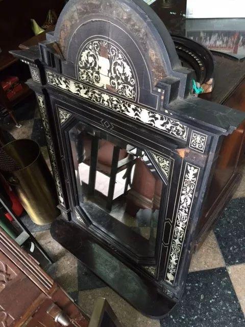 antiguo espejo de pared muy antiguo