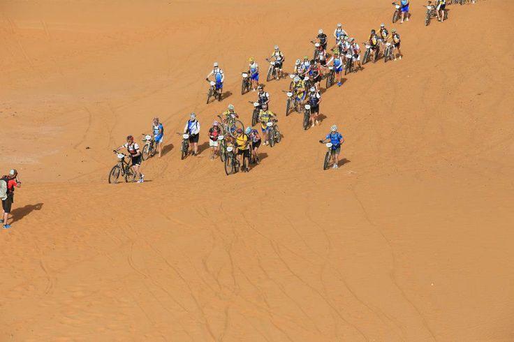 Imágenes de Antonio Lledo en la Titan Desert demostrándonos que la diabetes no tiene porque ser un obstáculo :) #TitanDesert #AntonioLledo #diabetes #MountainBike #Bike #GlucUp15 #UpTuVida
