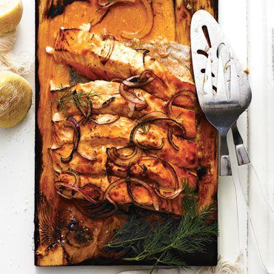 Recette : Saumon grillé sur planche de cèdre - Barbecue