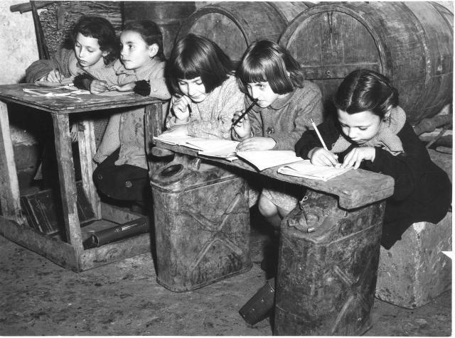 PIEMONTE Scuole di campagna, 1950 circa (Archivio Gazzetta del Popolo).