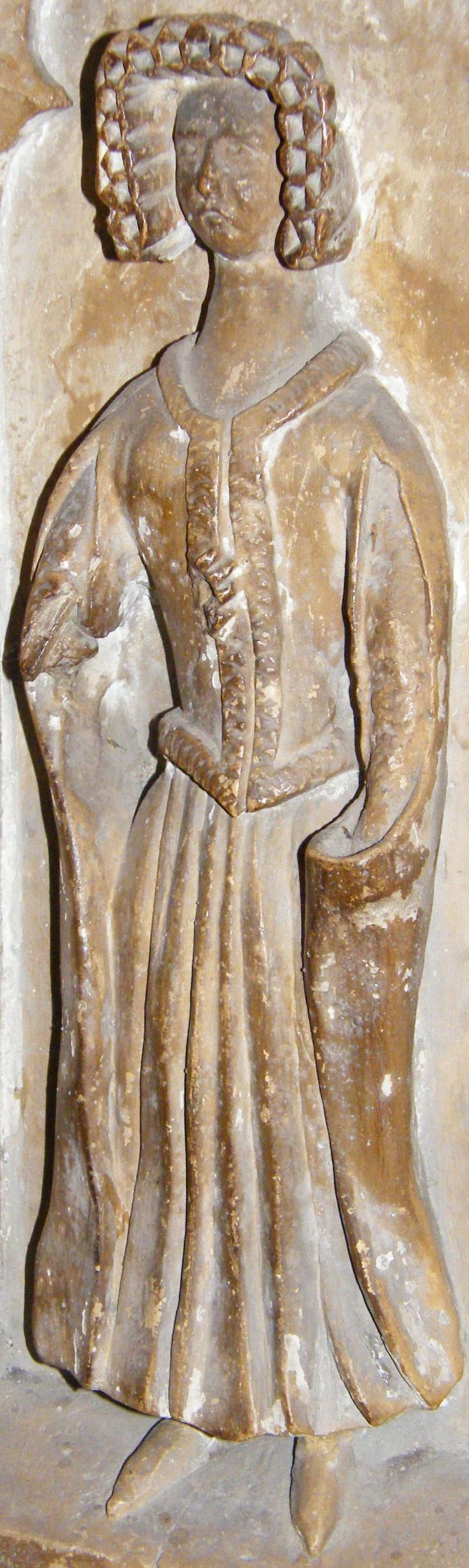 Weeper of Thomas Beauchamp and wife Katherine mortimer, 1369, Weeper 16 http://www.themcs.org/costume/Female/Warwick%20-%20St%20Mary%20Thomas%20Beauchamp%201369%20and%20wife%20Katherine%20mortimer%201369%20weeper%2016%20female%2080.JPG