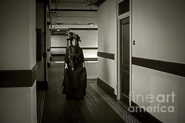 A photo recreation of the mysterious Woman in Black, an Edwardian era ghost that is occasionally seen wandering the halls of the Alexandria Hotel in downtown Los Angeles. The story and photo appears in the new book, HAUNTED BY HISTORY, by Craig Owens. (Bizarre Los Angeles / Sad Hill LLC)