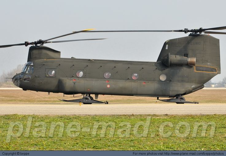 Italy - Army Boeing CH-47 Chinook MM80832 at Bologna