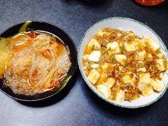 今日の晩御飯  麻婆丼と キムチの肉団子スープ ピリ辛なので今日の寒い日に ピッタリでした  #晩御飯  tags[熊本県]