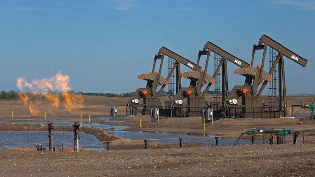 Sube el precio del crudo por la caída de las reservas de EE.UU. y el riesgo de sanciones a Venezuela Representantes de países exportadores de petróleo se reunirán a principios de agosto para reforzar el cumplimiento de los recortes de producción.