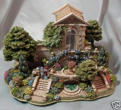 "LILLIPUT LANE ""HESTERCOMBE GARDENS """