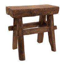 Krukje recycle rustiek De rustieke houten kruk heeft de afmeting: 26x42x39 centimeter.€29,99 Xenos