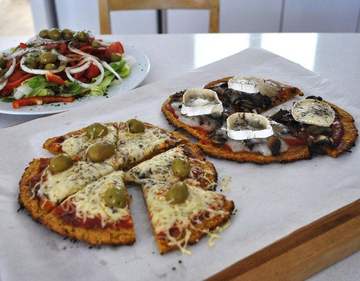 Si estás siguiendo una dieta que  limita las harinas , o si eres  alérgico al gluten , ésta es tu pizza.     La masa está hecha con zanaho...