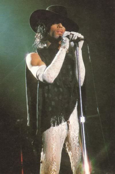 Classic Prince | 1984/85 Purple Rain Tour - Awesome Look for the 'Baby I'm a Star/I Would Die 4 U' concert finale!