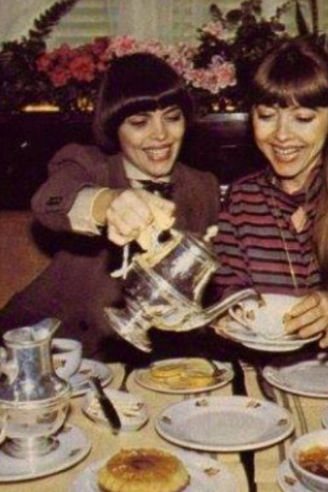 Tea time with mireille mathieu