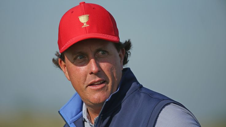 Phil Mickelson had a fine start to the 2015-16 PGA Tour season but unfortunately fell short of his Hall of Fame standards at the Farmers Insurance Open. Description from ooyuz.com. I searched for this on bing.com/images