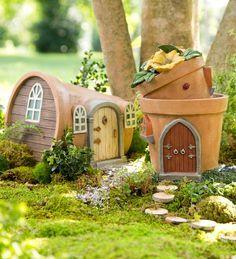 Casas miniatura feitas com vasos de planta
