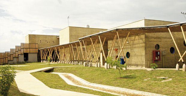 El Guadal Bamboo School - Daniel Feldman and Ivan Quinones - Virra Rica (Colombia)