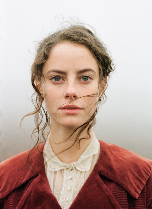More dressmaking ideas (love the coat & collar) ..........Kaya Scodelario as Cathy( Wuthering Heights)